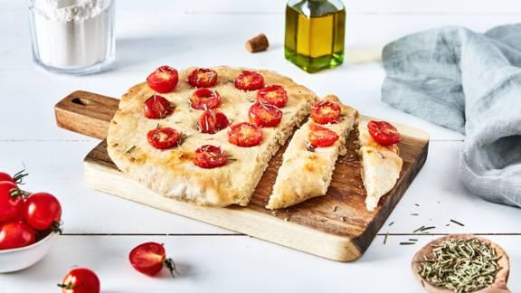 Focaccia tomates cerises et romarin