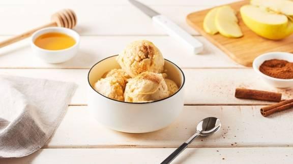 Crème glacée pomme-cannelle au cidre