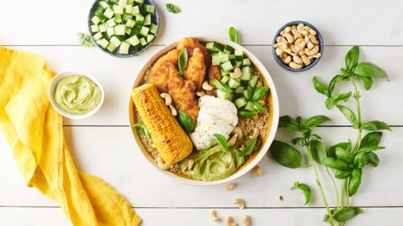 Poke bowl quinoa et poulet pané
