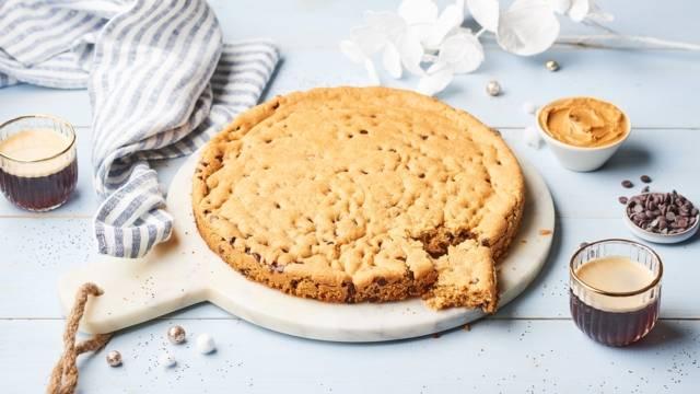 Cookie géant beurre de cacahuètes et pépites de chocolat