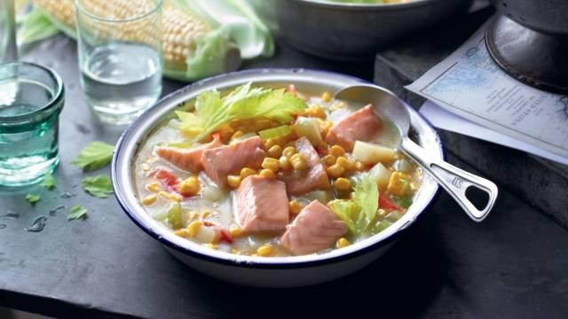 Chaudrée à l'américaine, au saumon et maïs
