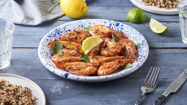 Crevettes rôties, sauce à l'ail et au citron