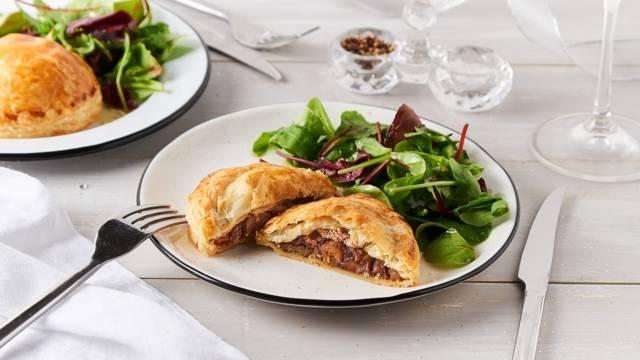 Feuilleté de foie gras, marron et cèpes