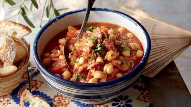 Ragoût de tomates aux pois chiche et chorizo