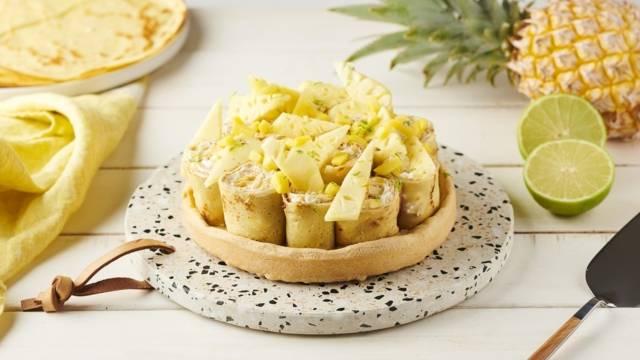Gâteau de crêpes roulées à la mangue