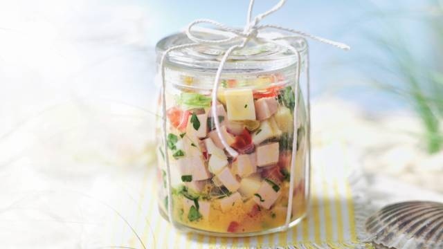 Salade d'été au cervelas