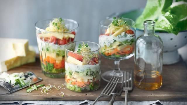 Salade d'été colorée aux légumes et au Beaufort