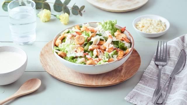 Salade Caesar aux crevettes grillées
