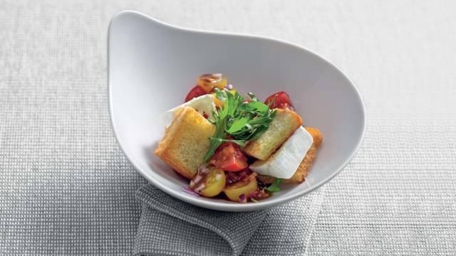 Salade de tomates cerise et Camembert
