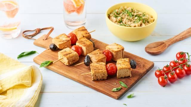 Tofu grillé tomates cerises et quinoa au barbecue