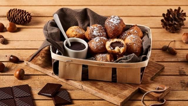 Mini beignets à la cannelle et cœur fondant au chocolat