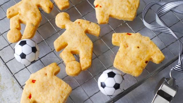 Biscuits footballeurs au parmesan
