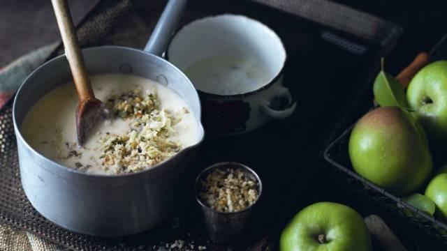 Soupe de pommes de terre et pommes