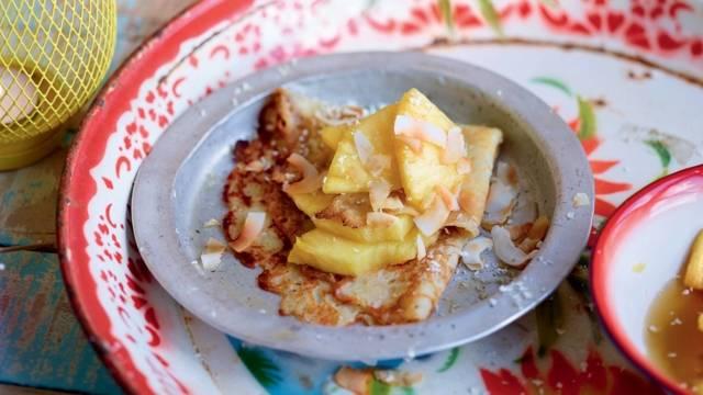 Crêpes à l'ananas et noix de coco