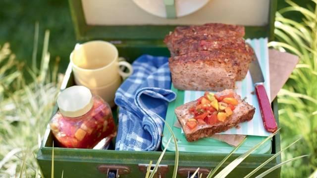 Pain de viande et chutney de tomates