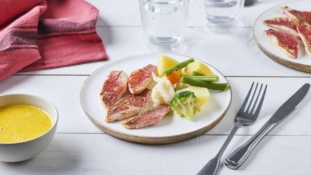 Filets de rouget et sauce au safran