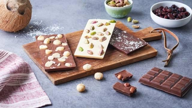 DIY - faire ses tablettes de chocolat avec des fruits secs