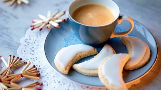 Biscuits lunes aux amandes et citron