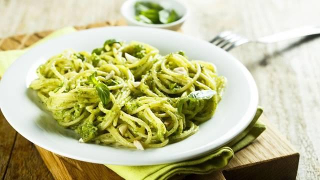 Spaghettis avec pesto alla genovese
