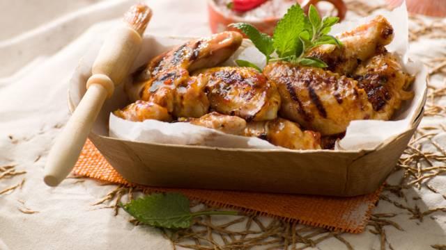 Poulet grillé, marinade d'abricots et piment