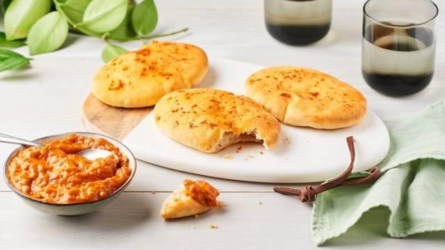 Chips de pain pita à l'ail et au paprika