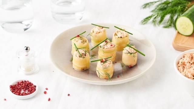 Roulés de concombre, saumon et chèvre