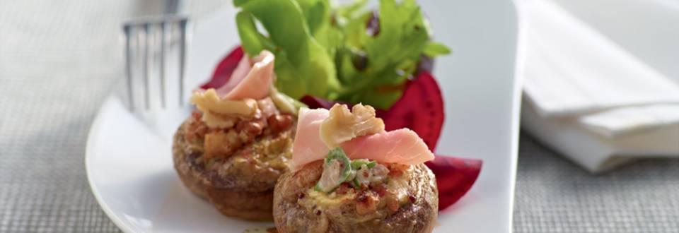 Champignons gratinés à la sauce aux noix et jambon
