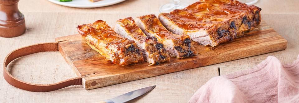 Ribs marinés, moutarde à l'ancienne et curcuma au barbecue