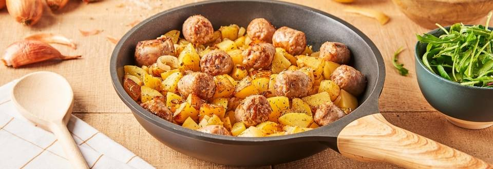 Poêlée de pommes de terre et saucisses fumées