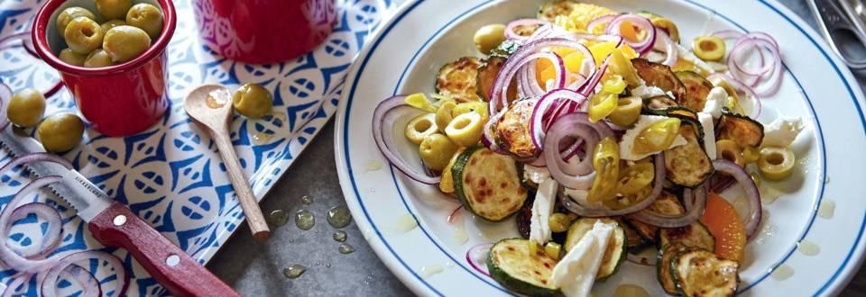 Courgettes poêlées, feta et oignon