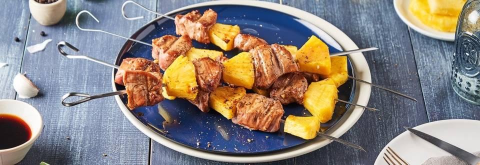 Brochettes au porc et à l'ananas