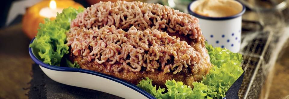 Cervelle de monstre à la viande hachée et crème de tomates