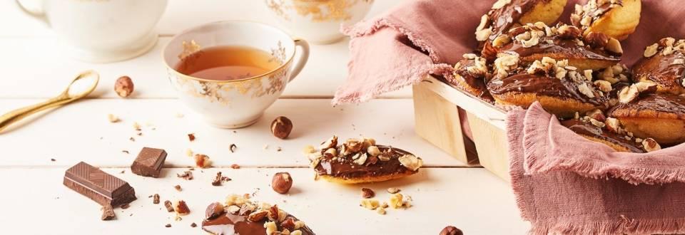 Madeleines coque en chocolat et éclat de noisettes