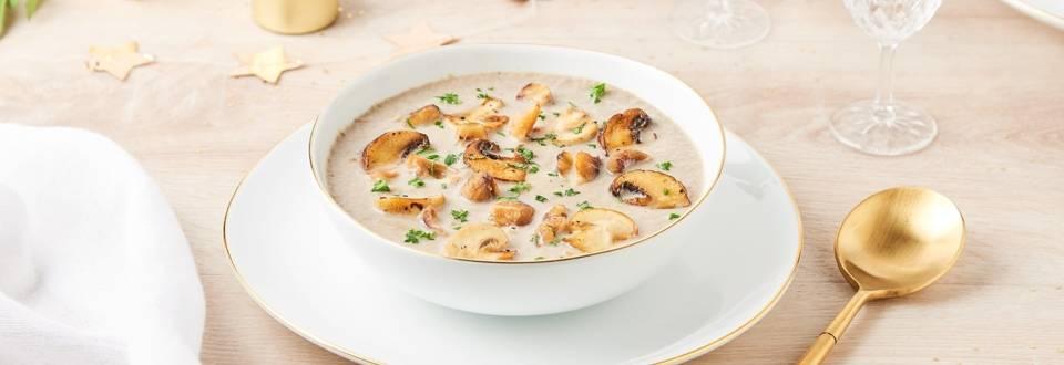 Velouté de champignons, marrons et foie gras poêlé