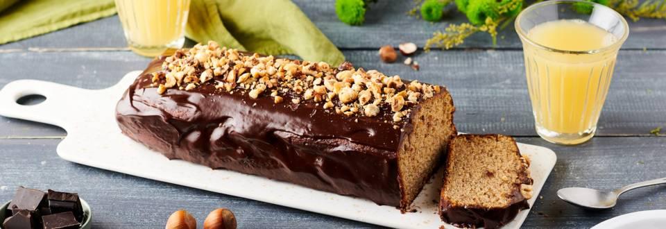 Cake aux noisettes, ganache au praliné et noisettes concassées