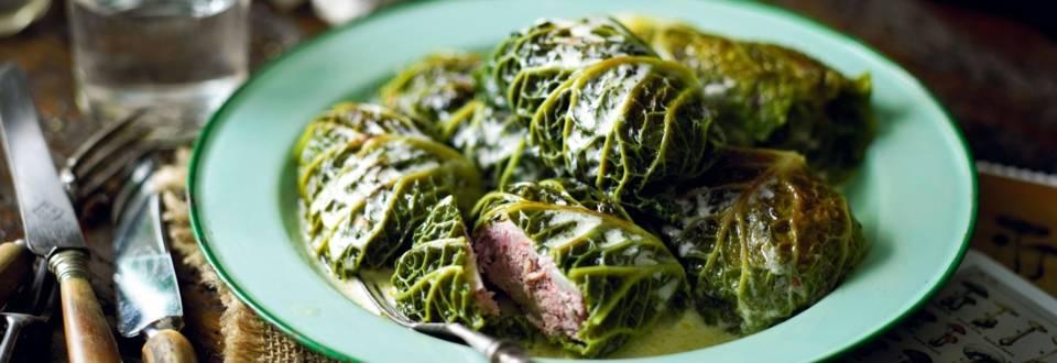 Choux farcis aux champignons et à la viande hachée