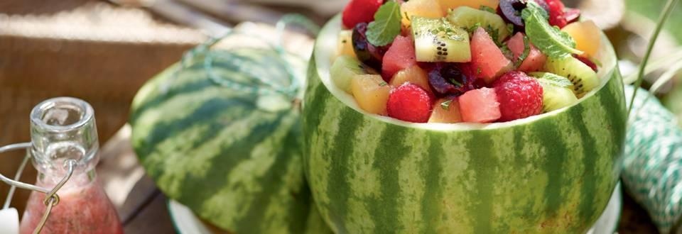 Salade de fruits colorés en pastèque