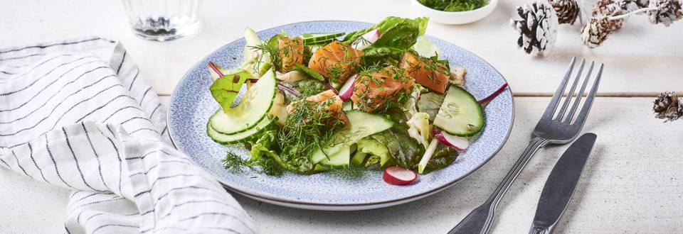 Salade de saumon gravlax, pommes granny et ciboulette