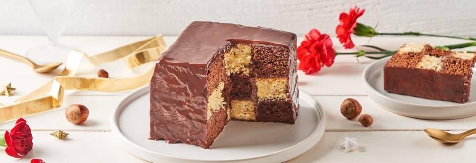 Cake damier au chocolat et noisettes