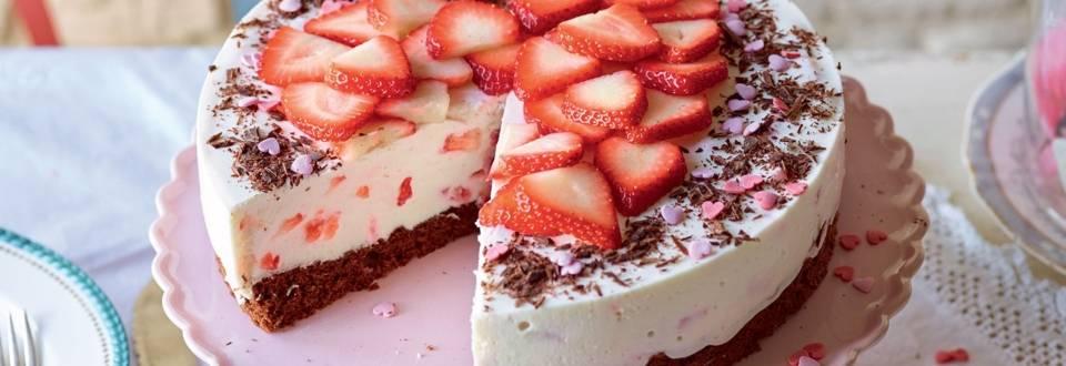 Gâteau aux fraises et biscuit au chocolat