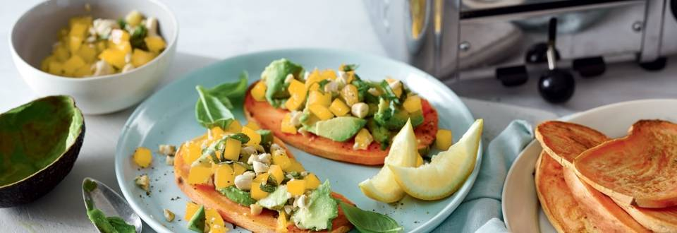 Patate douce façon toast aux poivrons et avocat