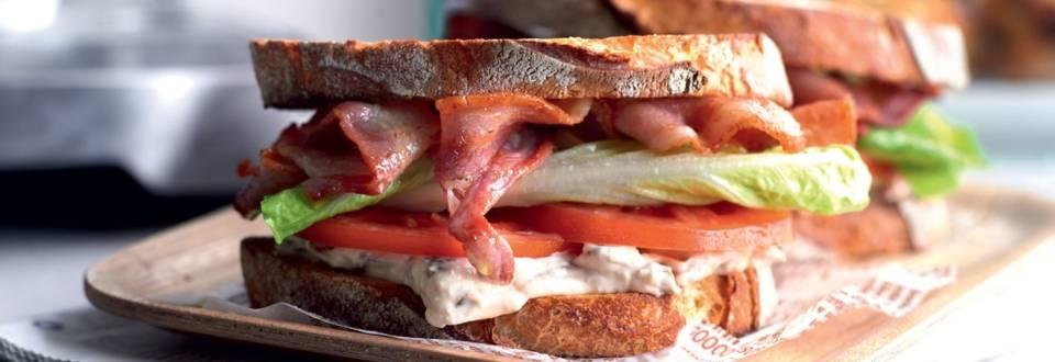 Sandwich BLT (bacon, laitue, tomate)