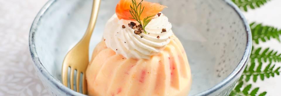 Mini kouglofs aux saumons, chantilly au raifort