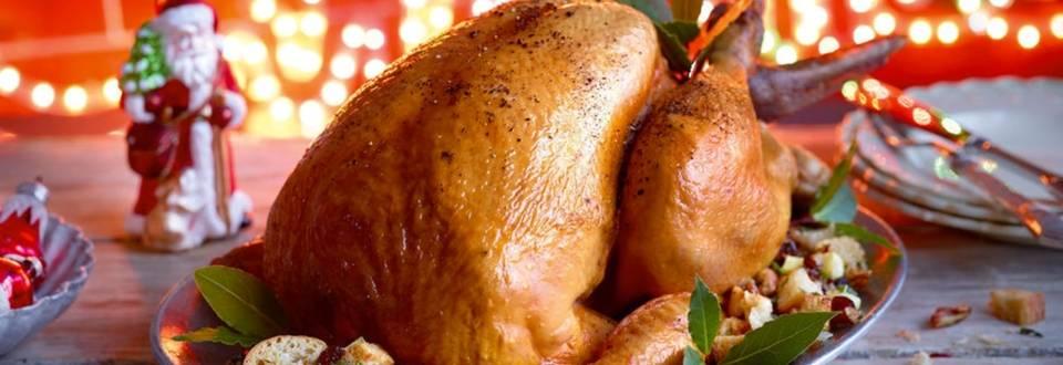 Dinde de Noël aux noix de pécan et canneberges