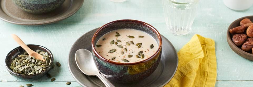 Velouté de châtaignes, céleri rave et lait de coco