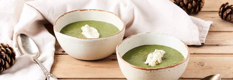 Soupe de cresson et sa chantilly au Roquefort