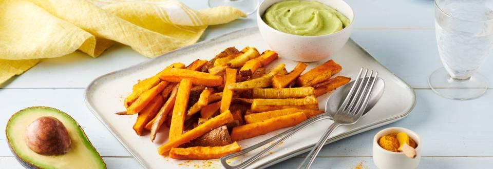Frites de légumes d'hiver au four et mayonnaise d'avocat