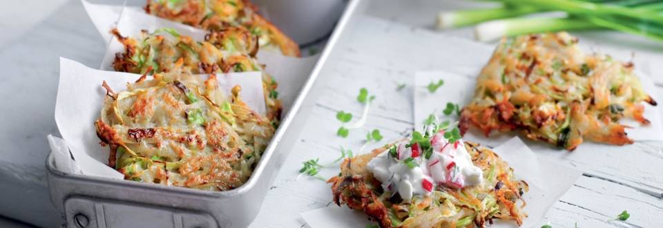 Galettes de pommes de terre et chou, crème de radis-cresson