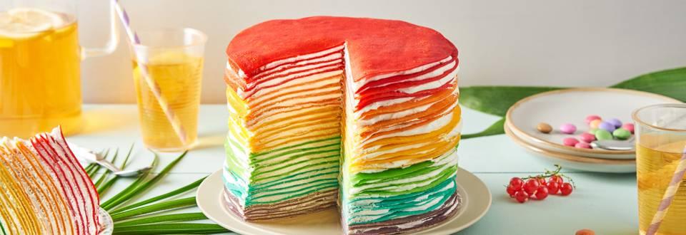 Gâteau de crêpes arc en ciel