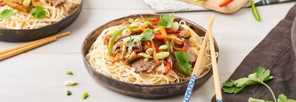 Nouilles sautées légumes et bœuf